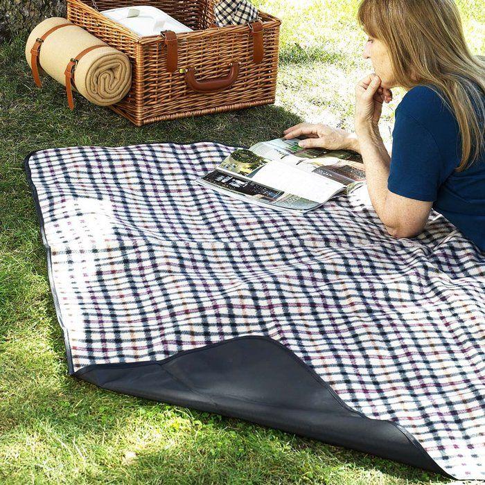 Retro picnic inspiration - Lobler and Delaney