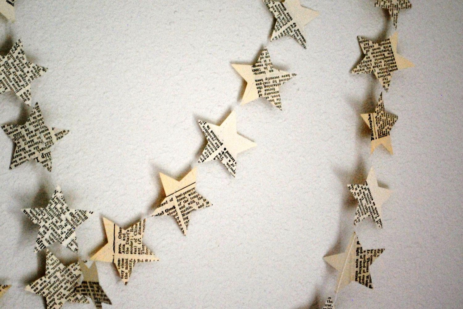 30 Feet Of Yards Of Stars Garlands Vintage Paper 30 00 Via Etsy Christmas Decorations Australian Star Garland Crafts