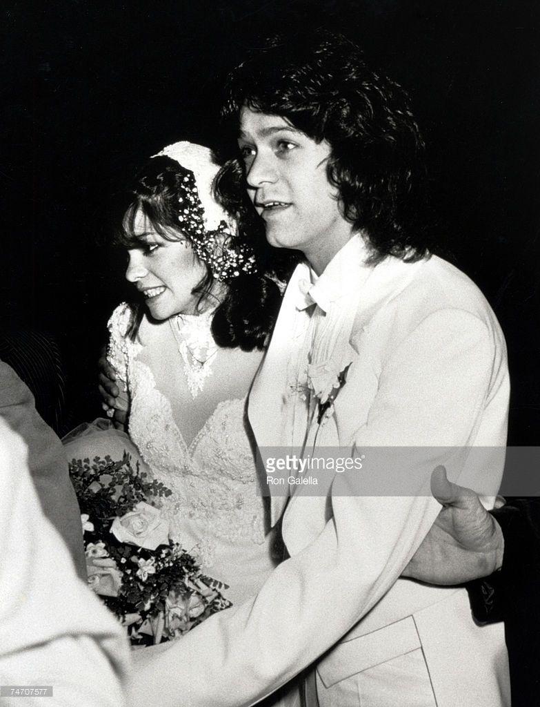 Wedding of valerie bertinelli and eddie van halen for Who is valerie bertinelli married to