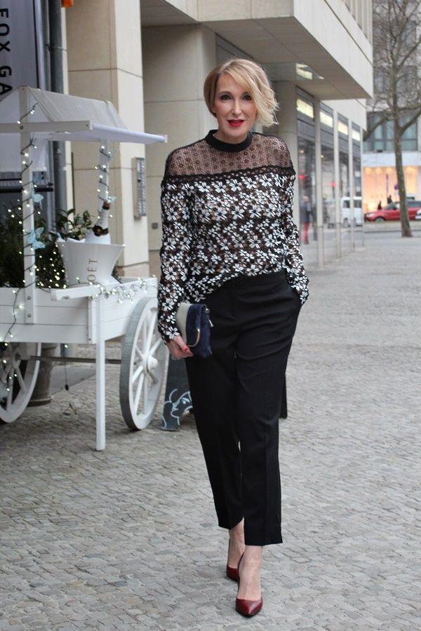 8061b5ed5 A fashion blog for women over 40 and mature women Blouse: Selfportrait  Pants: Etro Bag: Angela Miklas Shoes: Pura Lopez