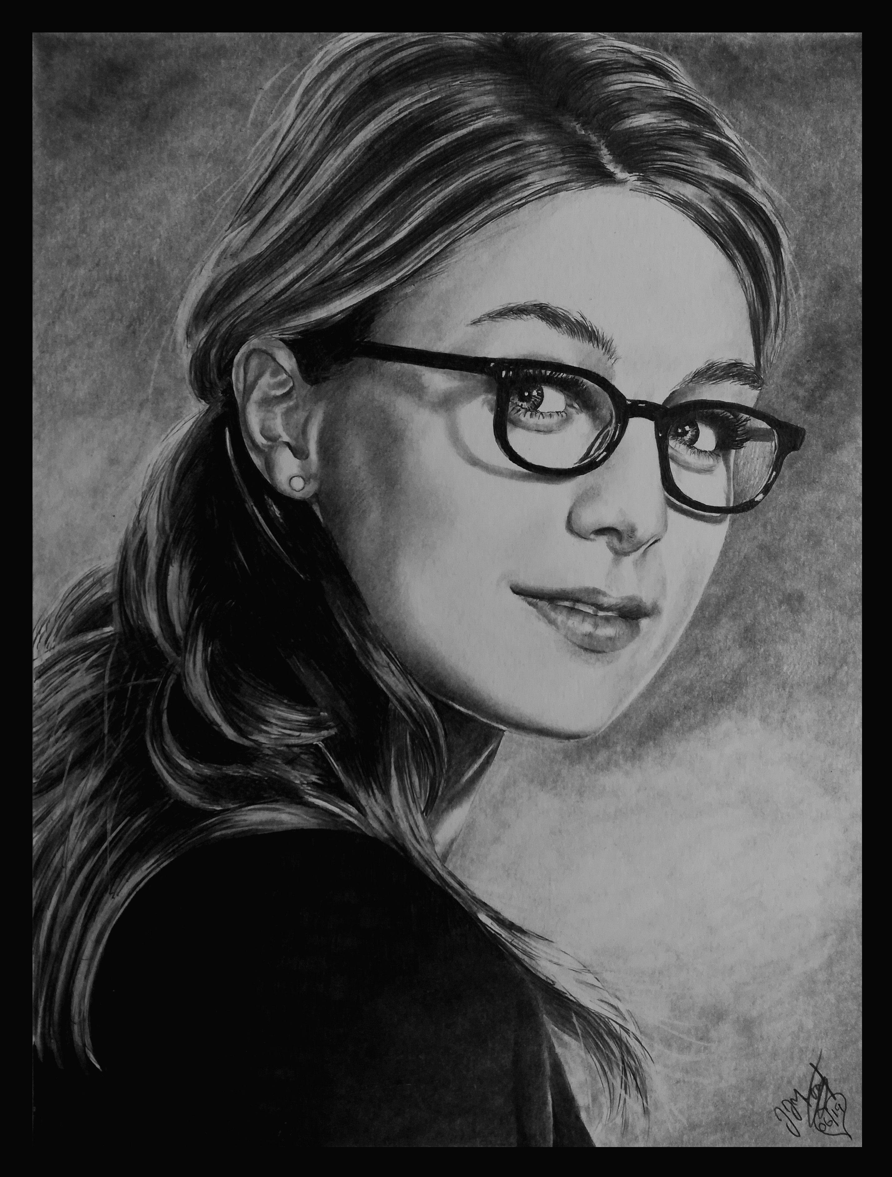 Pencil Portrait Melissa Benoist Supergirl Kara Danvers 2 Pencil Portrait Portrait Cat Eye Glass