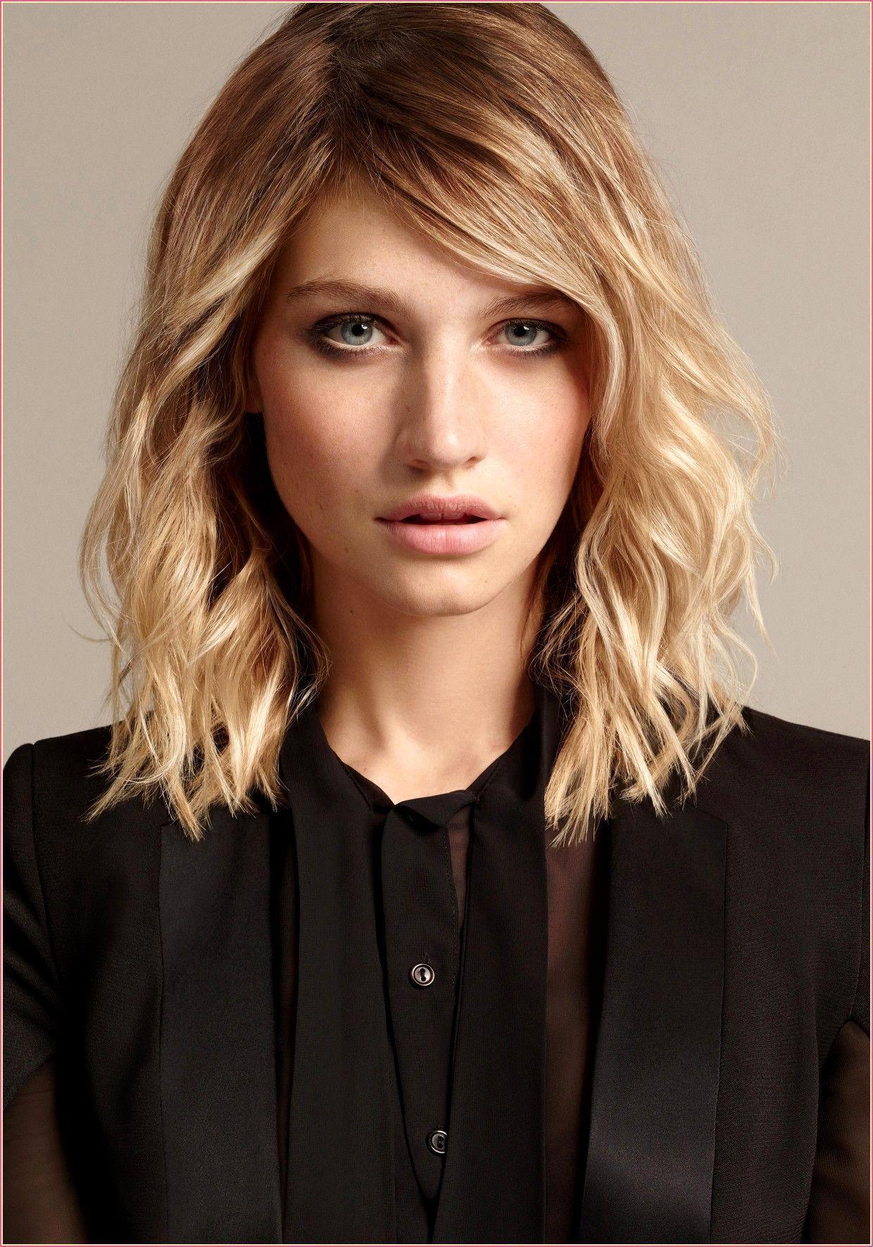 Trendfrisuren 2020 Frauen Mittellang Frauen Langhaarfrisurenfeineshaar Mittellang Trend In 2020 Trendfrisuren Mittellange Haare Frisuren Einfach Langhaarfrisuren