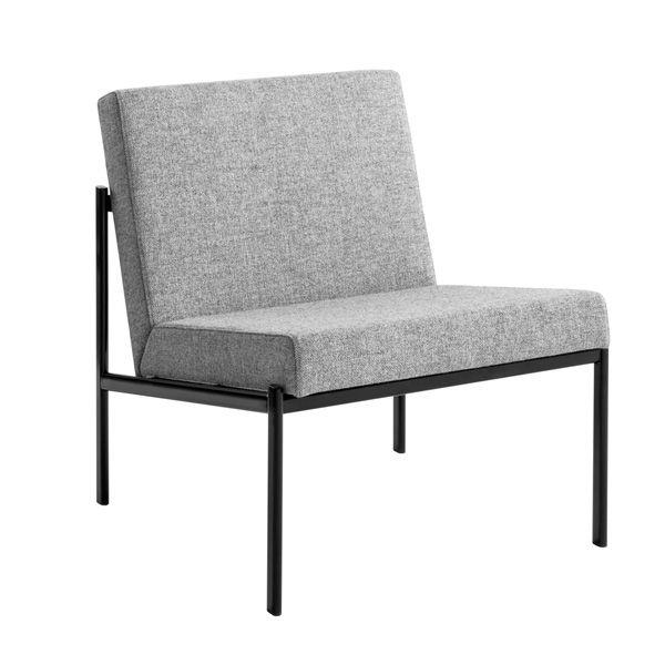 Ilmari Tapiovaaran suunnittelema Kiki-nojatuoli, runko on maalattua metallia ja istuin on verhoiltu.