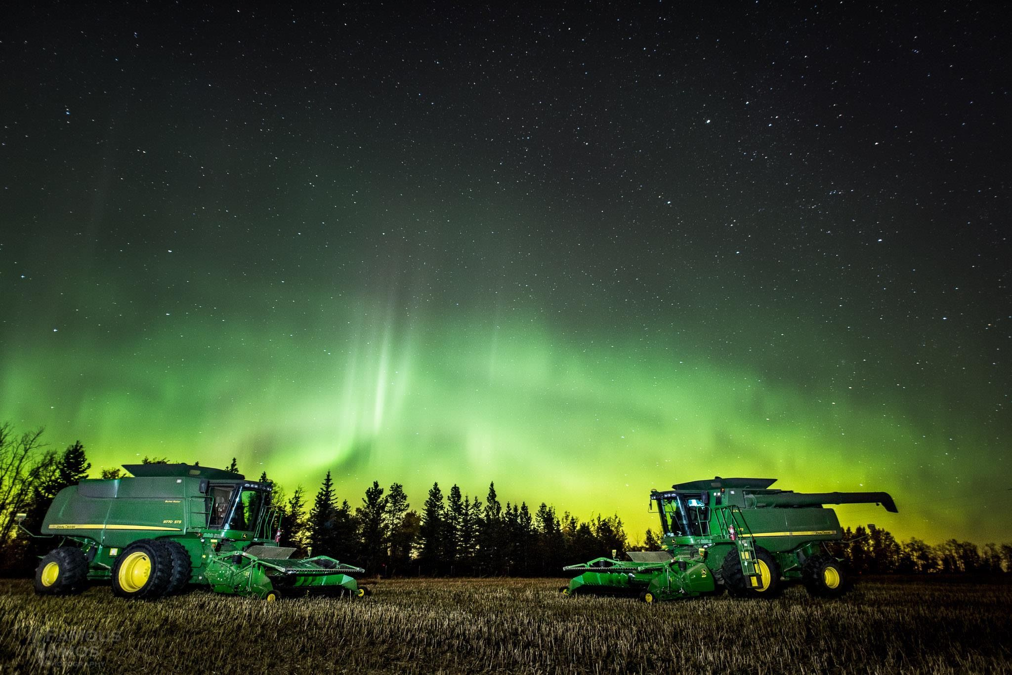 John Tractor Night Lights : Beautiful night picture with combines landscape