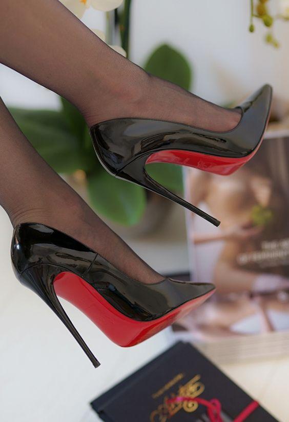 Sexy pumps #pantyhose #highheels