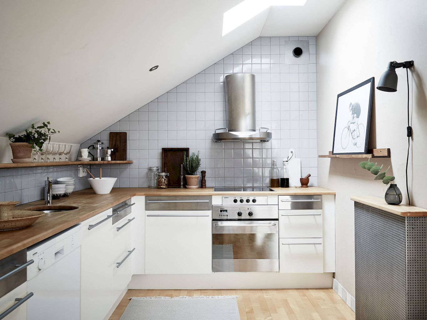 Awesome 140 Smart Apartment Decorating Ideas Https Coachdecor Com 140 Smart Apartment Decorating Ideas Apartment Kitchen Loft Kitchen Kitchen Remodel
