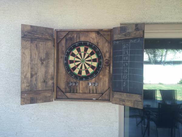 Dart Board Case Do It Yourself Home Projects From Ana White Mit Bildern Dekoration Im Matrosenstil Dartscheibe Bierkasten