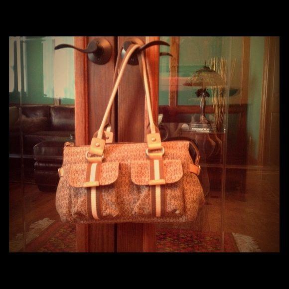 f9de3831e3 Perfect condition shoulder purse Fossil