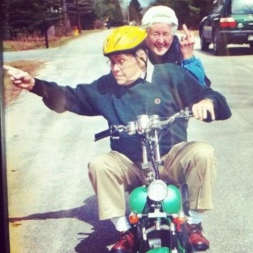 This Is My New Relationship Goal | Funny old people, Bad family photos,  Elderly couples