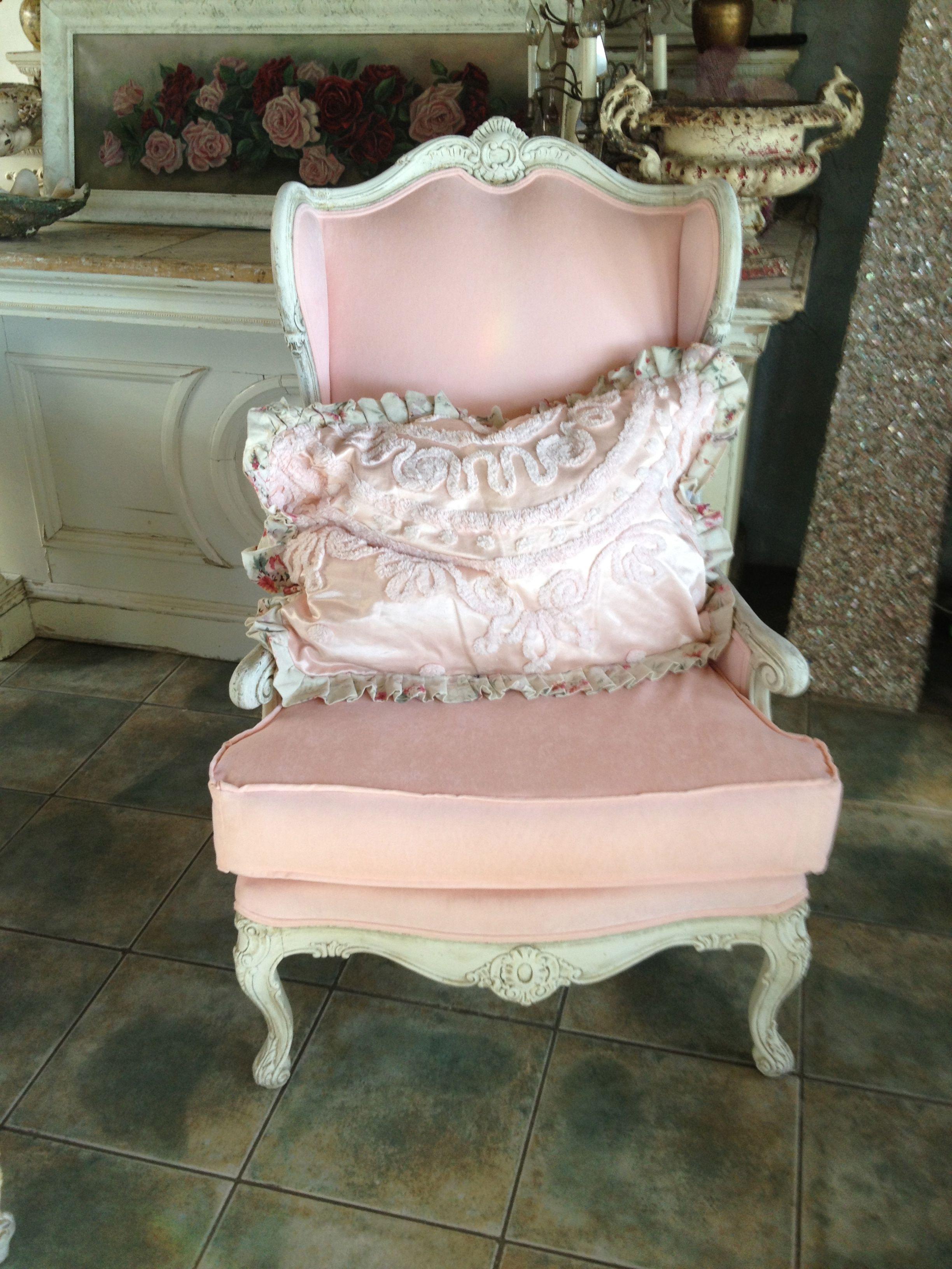 Pink Velvet Wing Back Chair | Home ideas | Pinterest | Para el hogar ...