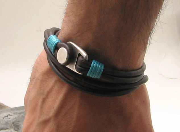 FREE SHIPPING . Men's leather bracelet. Brown leather cuff