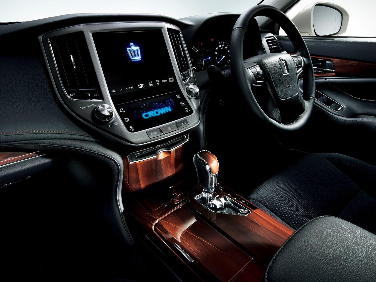 2014 Toyota Crown Hybrid Royal Saloon Автомобили, Тачка