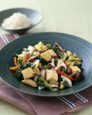 11 Easy Vegetable Stir-Fries: Broccoli carrot vegetable stir-fry with tofu