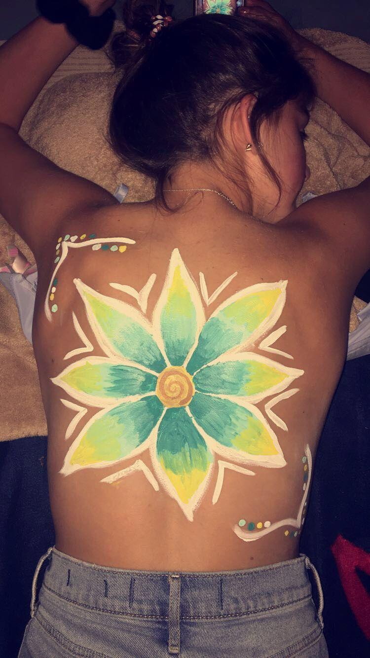 Photo of Back paint // body art