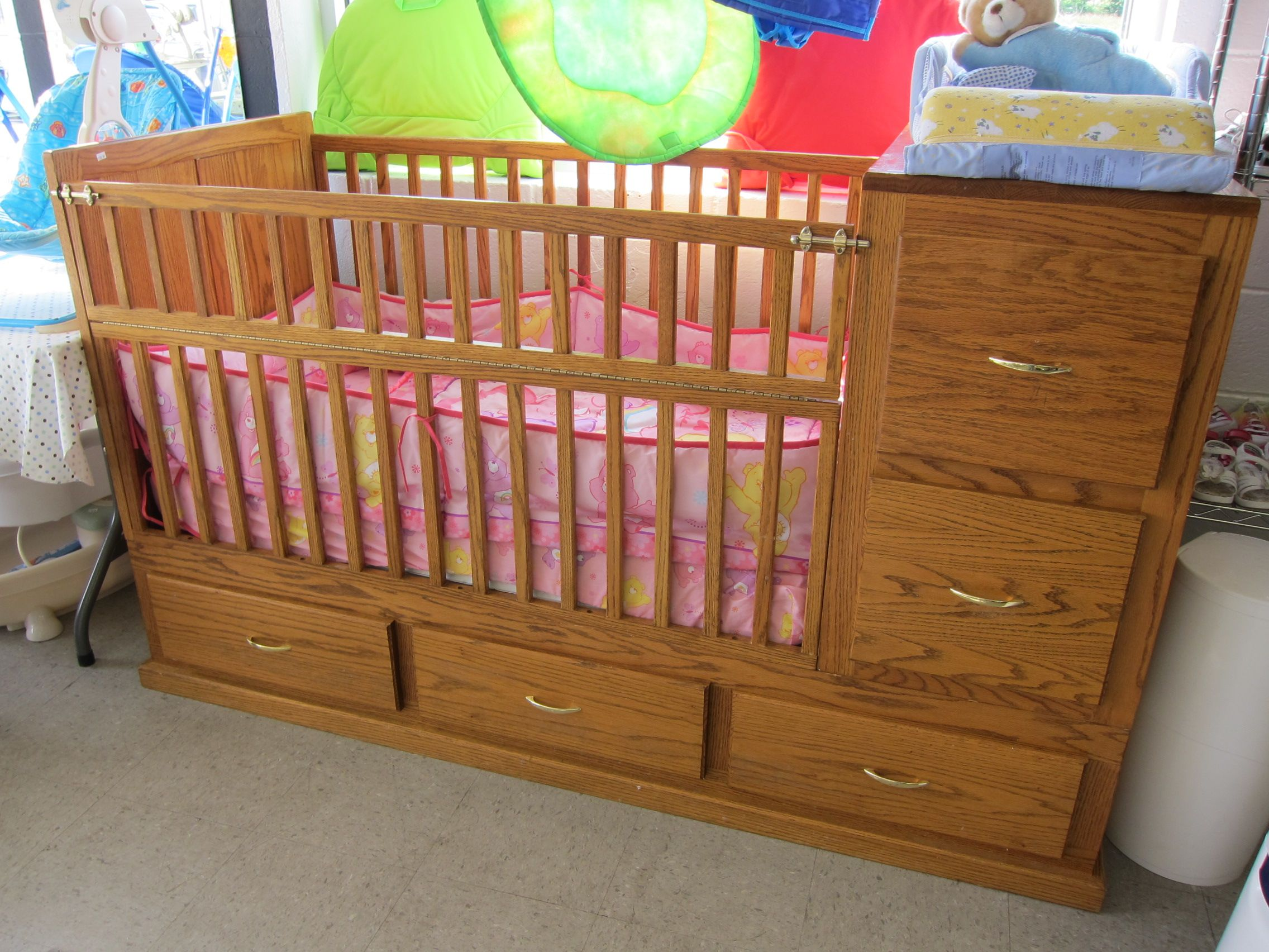 with safari oak lion adorable including various unisex green baby curve light bedding using design valance of crib jungle ideas jung room bed beautiful wood picture nursery cribs and decoration