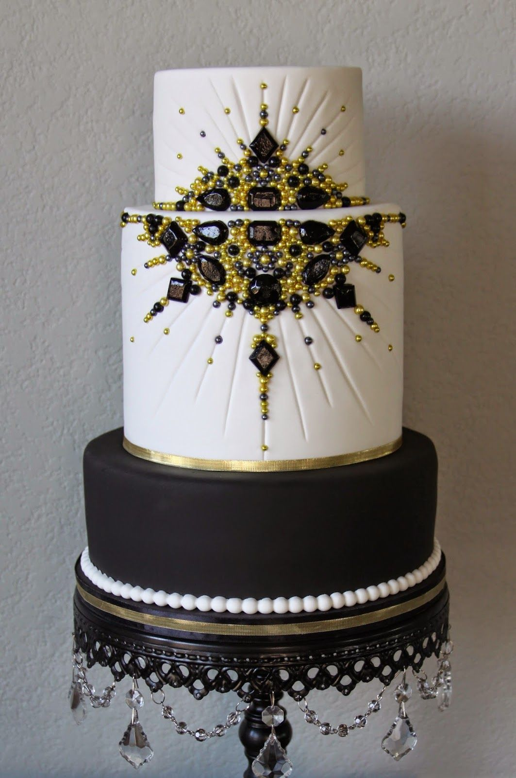 Black And Gold Jeweled Old Hollywood Cake Red Carpet