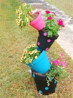 Creekside Crafts Country Gift Shop - Tippy Pots