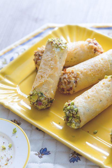 Cannoli di grana ripieni ricetta nel 2019 ricette for Cucinare vegano
