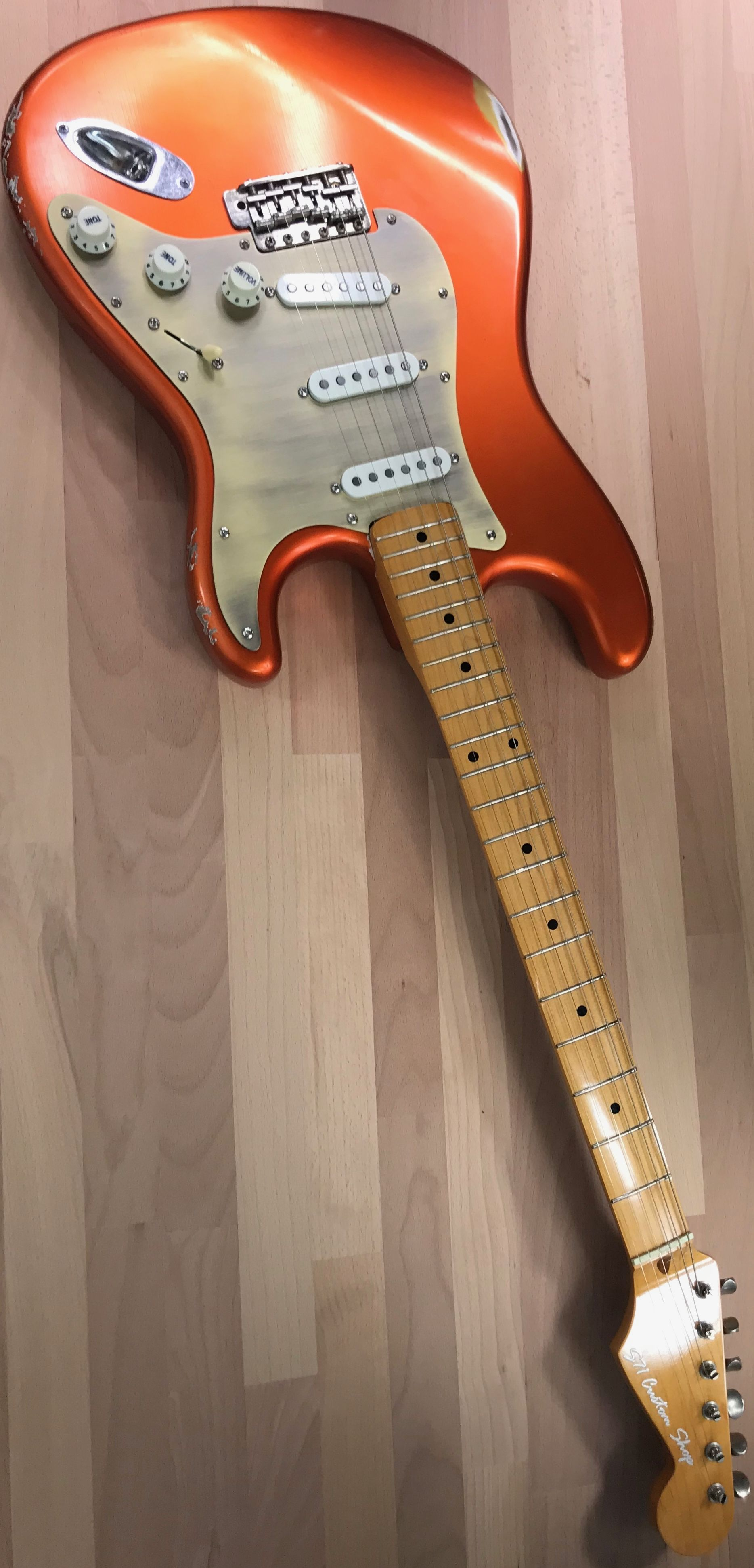 Post Modern Relic Candy Tangerine Stratocaster Custom Shop Handcrafted By S71 Guitars Wildwood California Alder Body Reliced By Mjt U Stratocaster Guitar Guitar Guitar Tuners