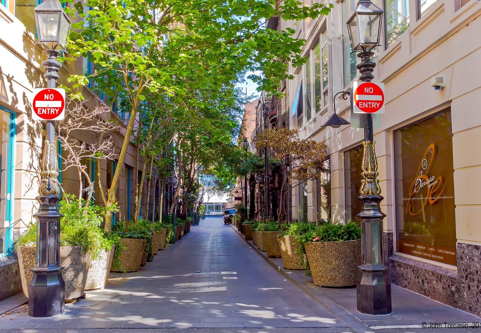 Melbourne Highlander lane Melbourne, Melbourne street