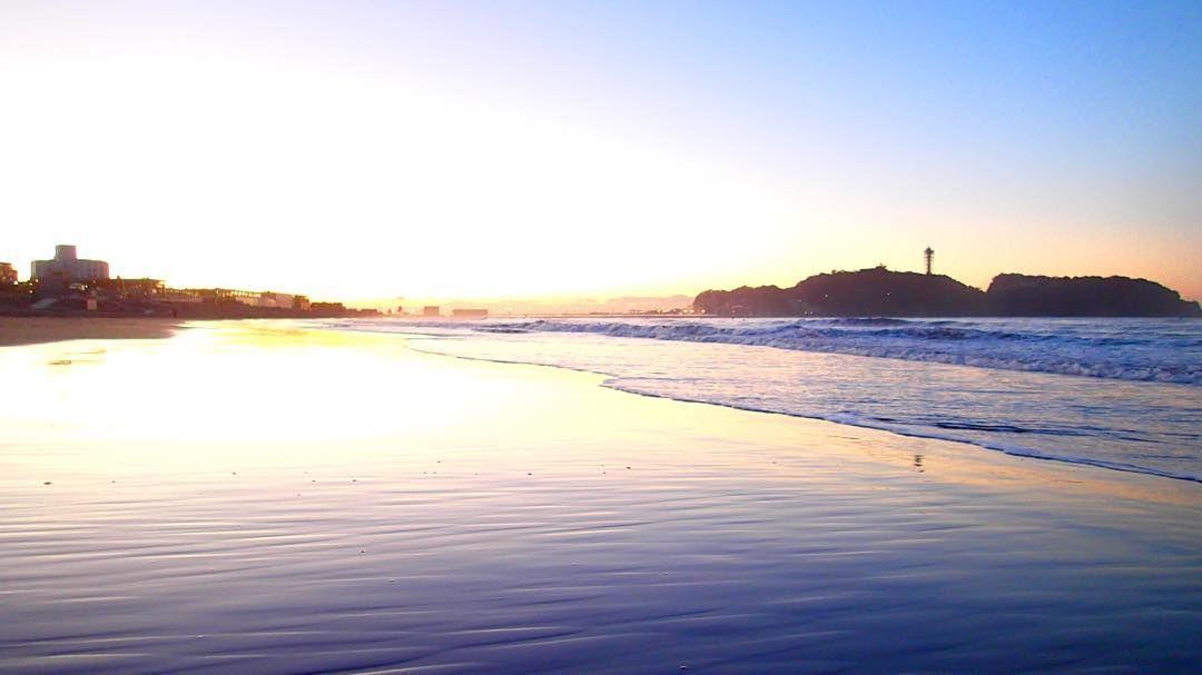 Takashi On Instagram Morning Sun Sunrise Sunshine Shining Sun Sunlight Twilight Surf Surfing Sea Ocean Water Clouds Cloudporn B Sea And Ocean Water Seascape