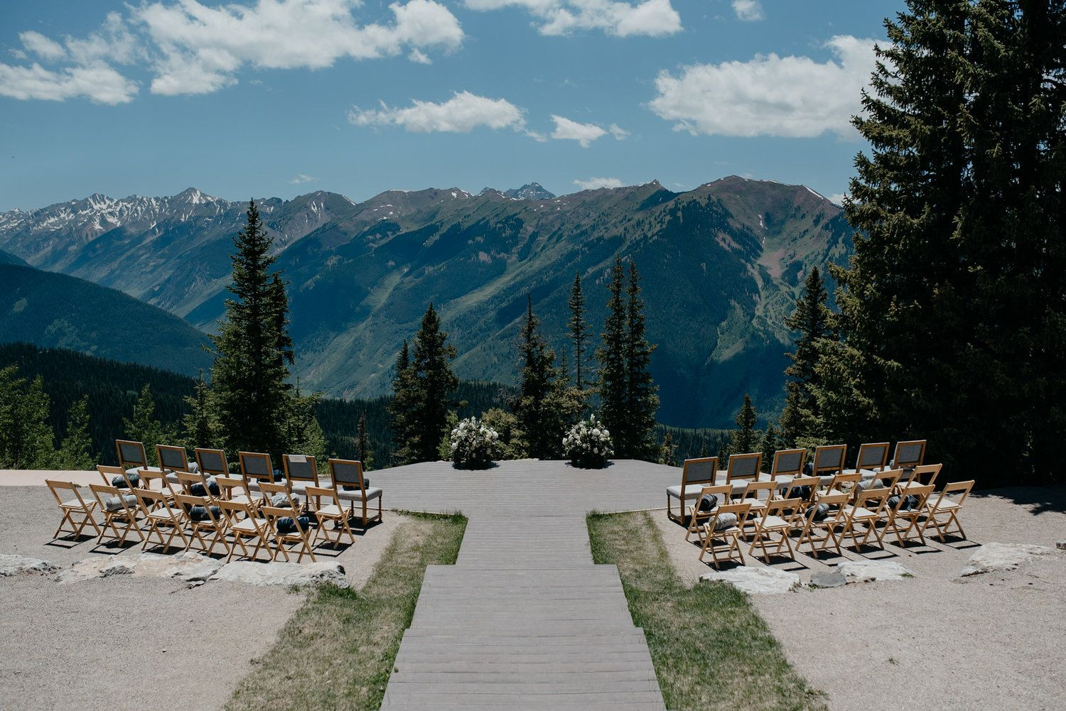 AN INTIMATE ASPEN WEDDING AT THE LITTLE NELL Mountain
