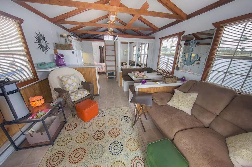 Aqua lodge salon living room area house boat lodge