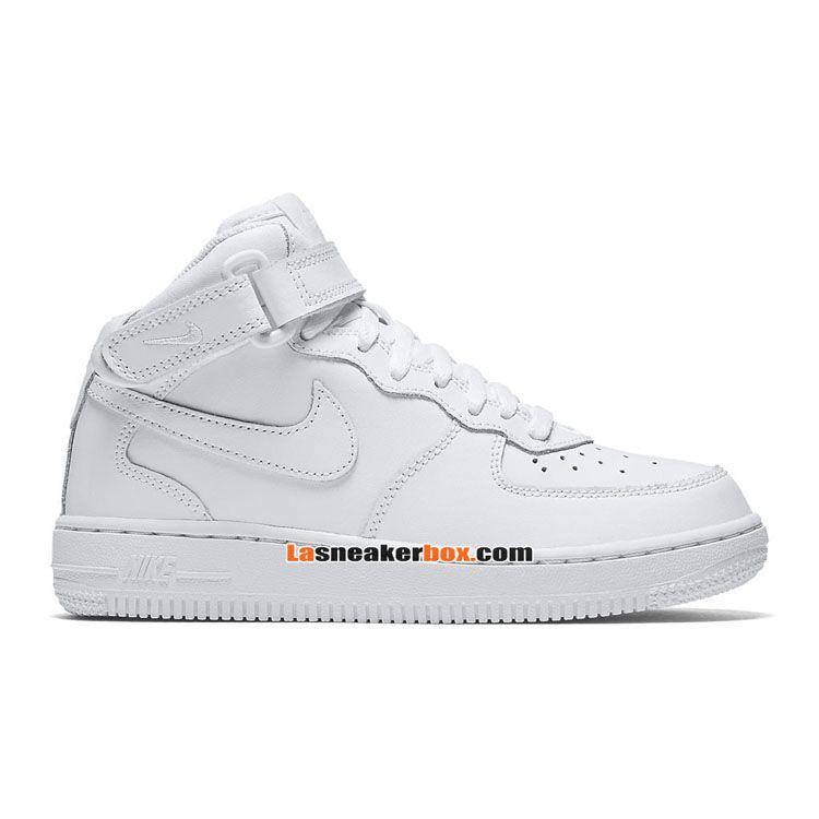 chaussure-nike-sportswear-pas-cher-pour-petit-enfant-