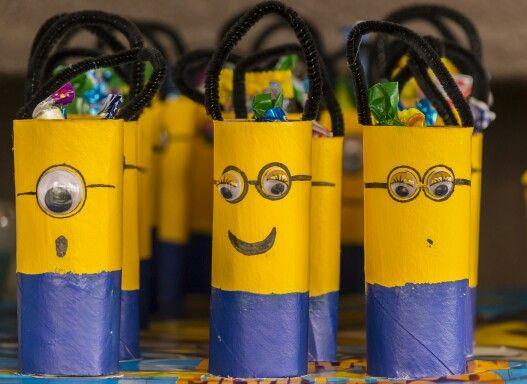 Bolsitas para confites con rollos de cartón reutilizable…  minions
