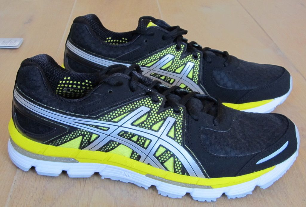 Asics Gel Excel 33- Side view Pair | Asics | Asics shoes, Asics, Shoes