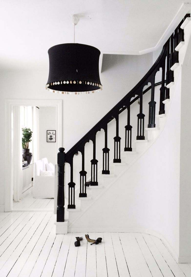 pin von emma jane dyer auf entrances stairs pinterest flure treppenhaus und treppe. Black Bedroom Furniture Sets. Home Design Ideas