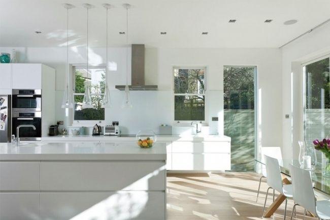 wohnideen küche modern pur weiß pendelleuchten glas | Küche ... | {Küchenzeile modern weiß 62}