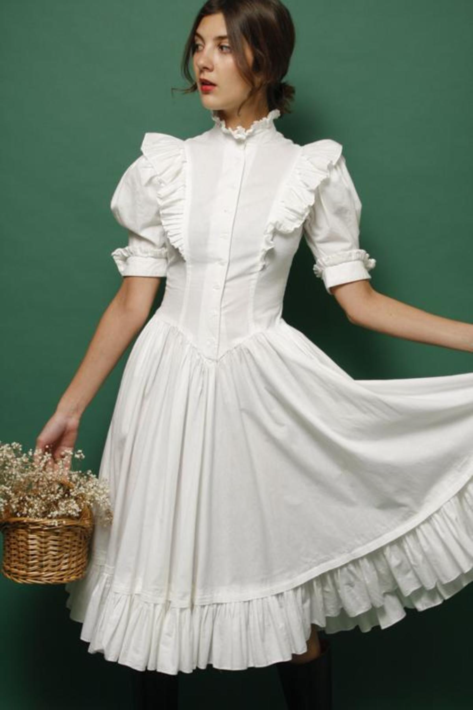 Vintage Victorian Midi Dress White On Garmentory In 2021 White Vintage Dress Vintage Midi Dresses Vintage Dresses [ 1500 x 1000 Pixel ]