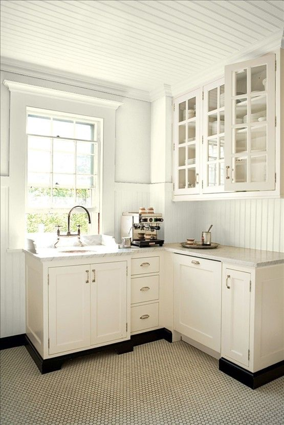 Kitchen Cabinets Painted With Benjamin Moore Ivory White With