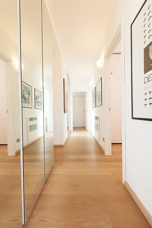 Corridoio moderno nel 2020 arredamento corridoio for Ingresso di casa moderno