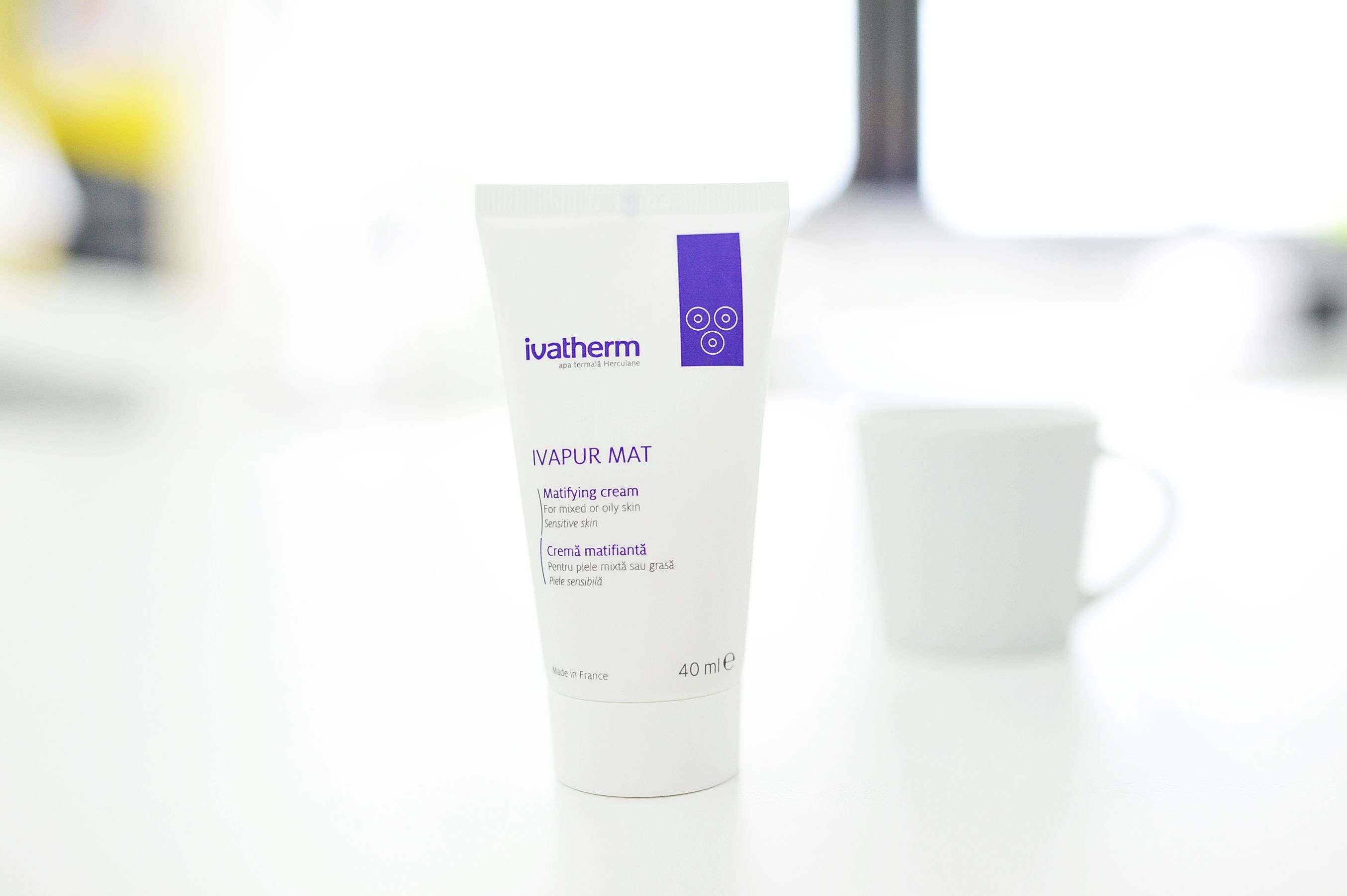 #IVAPUR MAT  #IVATHERM Apply on clean #skin in the morning and evening, ideally cleaned with IVAPUR purifying foaming gel for mixed and oily #skin.