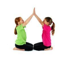Partner Pose Boat Children Google Zoeken Yoga Por Parejas Yoga Infantil Posturas De Yoga Por Pareja