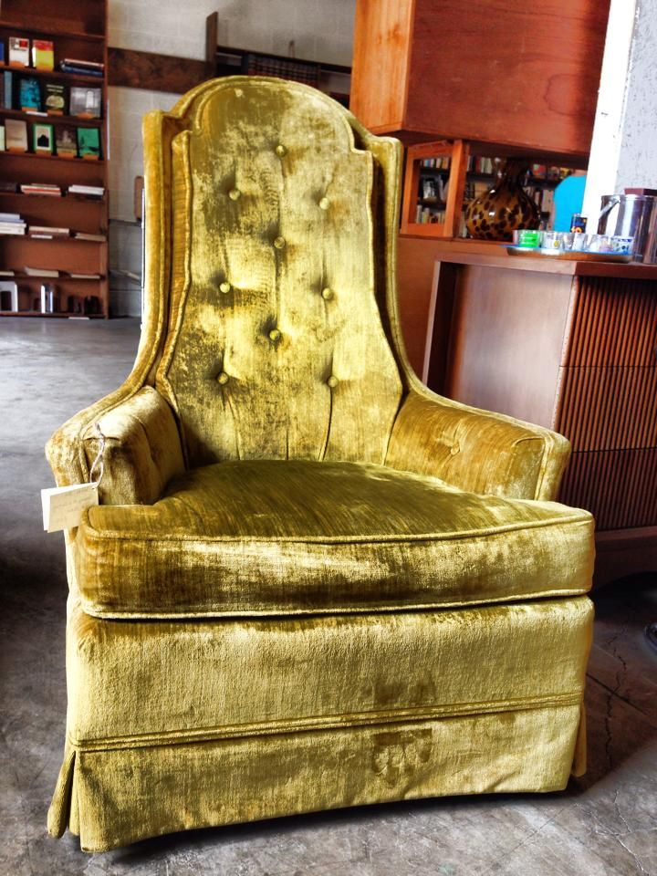 Groovy Mid Cent Velvet Chair Made By Broyhill Available Warehouse 41 At Nostalgia On Mccalla Knoxville Tn We Ship Anywhere In Velvet Chair Chair Broyhill