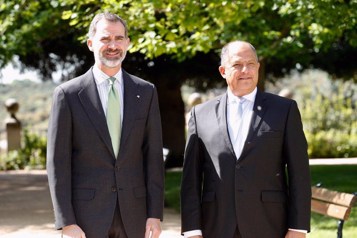 Foro Hispanico de Opiniones sobre la Realeza: El Rey se reúne con el Presidente de Costa Rica, Luis Guillermo Solís, en el palacio de la Zarzuela