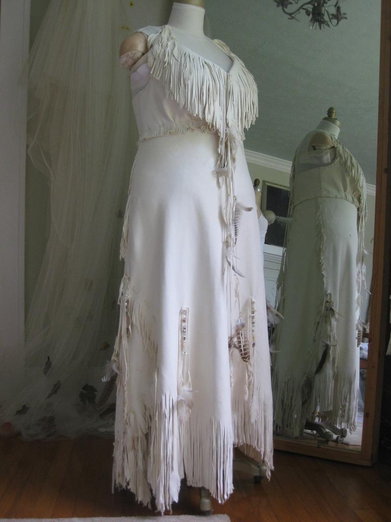 White Leather Wedding Dress Native American Inspired Boho Etsy White Leather Wedding Dress Leather Wedding Dress Native American Dress [ 1059 x 794 Pixel ]