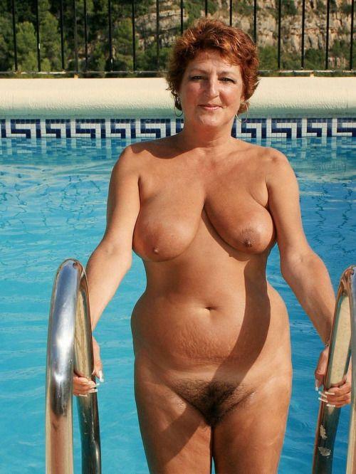 Mature Women Swimming Nude