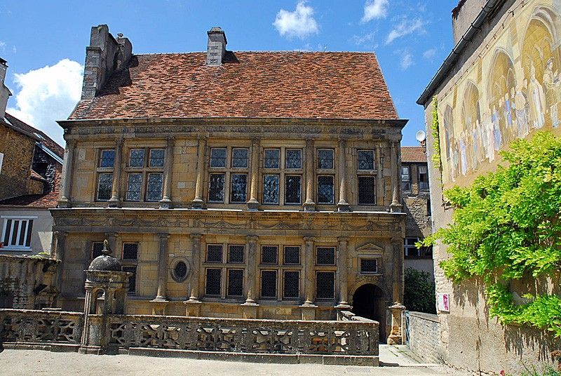 Maison renaissance langres haute marne france otsi for Haute renaissance