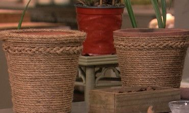 Martha shows actor Anthony Anderson how to make beautiful stone planters.