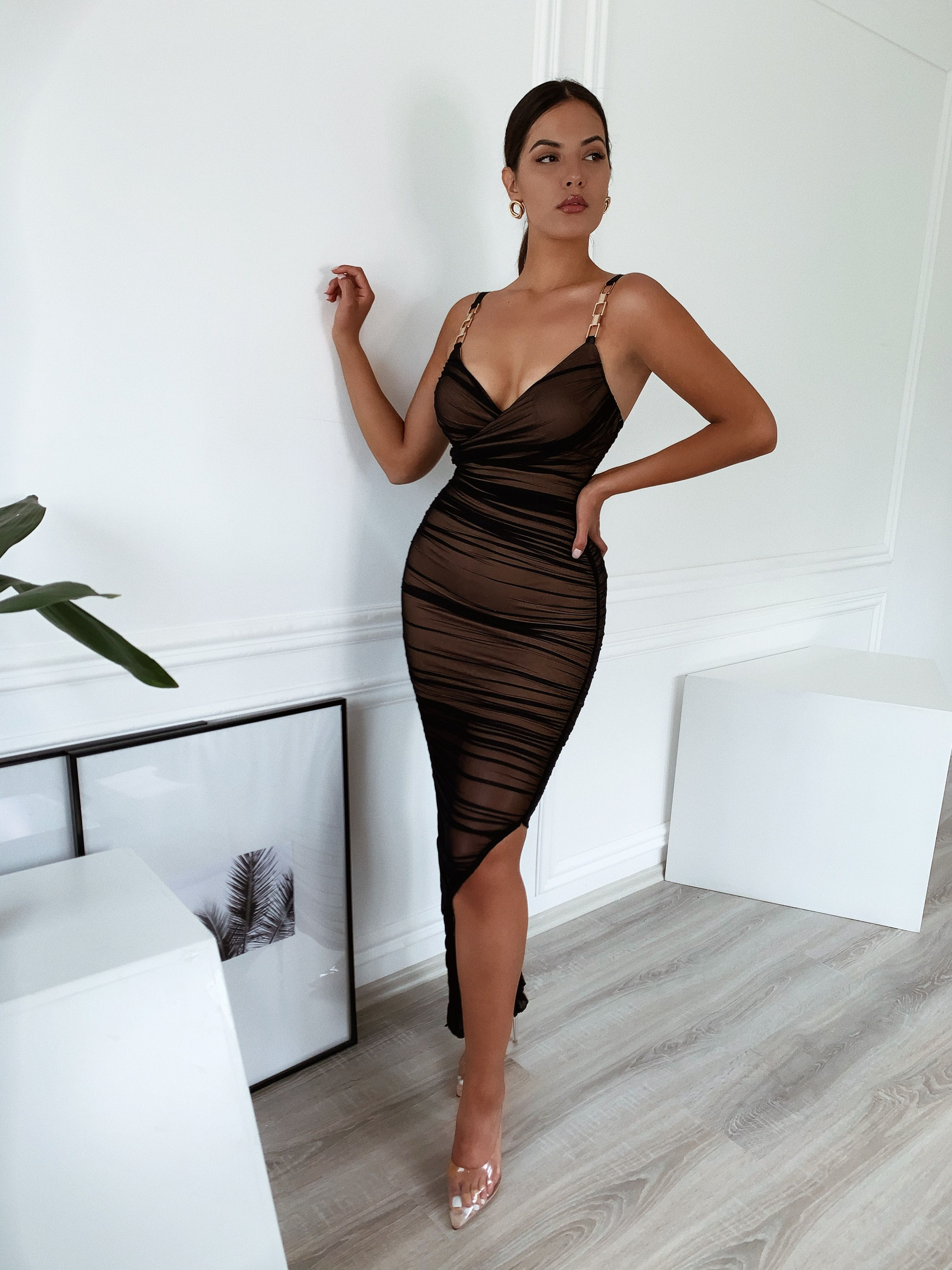 Andrea Gold Chain Ruched Black Dress Black Ruched Dress Dresses Black Dress [ 4032 x 3024 Pixel ]
