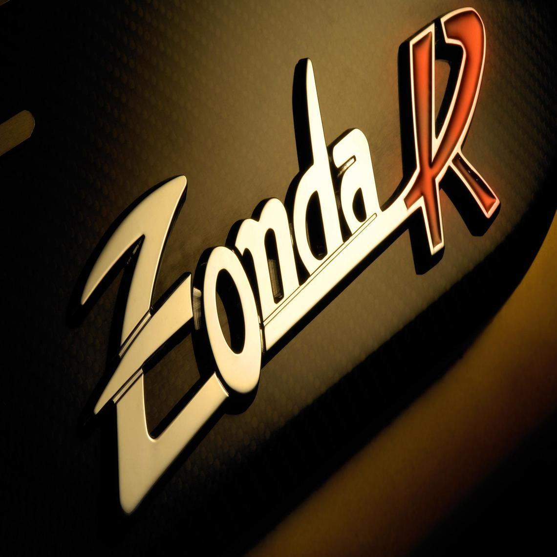 Pagani Zonda Logo Logo Wallpaper Hd Pagani Zonda Pagani Zonda R