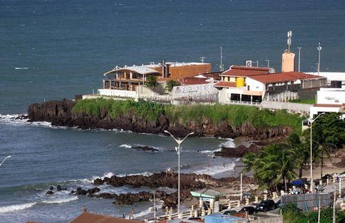 Tip of the Bat - Praia dos Artistas