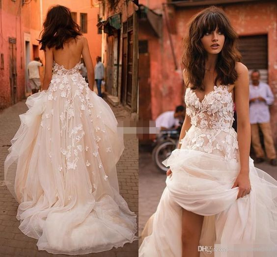Liz Martinez Beach Wedding Dresses 2017 with 3D Floral V-neck Tiered Skirt Backless Plus Size Elegant Garden Country Toddler Wedding Gowns