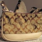 How To Tell If Your Coach Purse Is Real Coach Purses Discount Coach Bags Purses