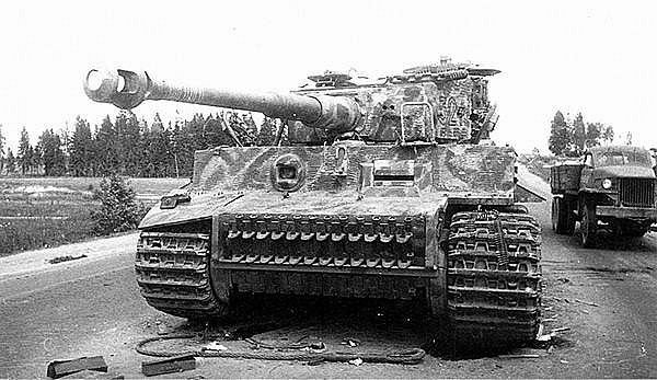 Tiger I, knocked out by the Red Army. 3rd Belorussian Front, July 8, 1944 | by WW2 Panzer