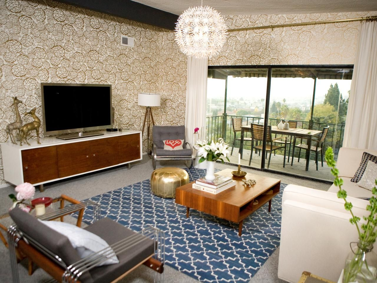 21 beautiful mid century modern living room ideas gold Blue wallpaper for living room